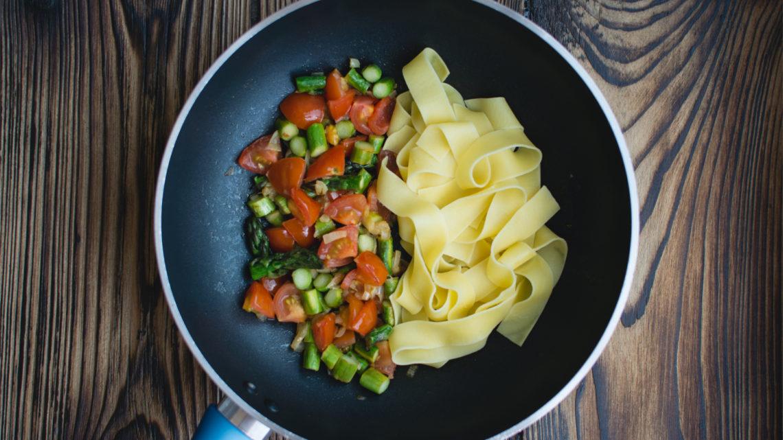 Ricette dal mondo: è tempo di pasta con gli asparagi!