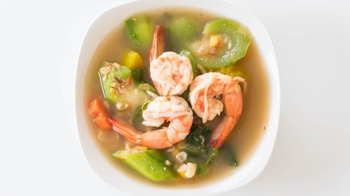 Ricette dal mondo: zuppa thai con verdure e gamberi